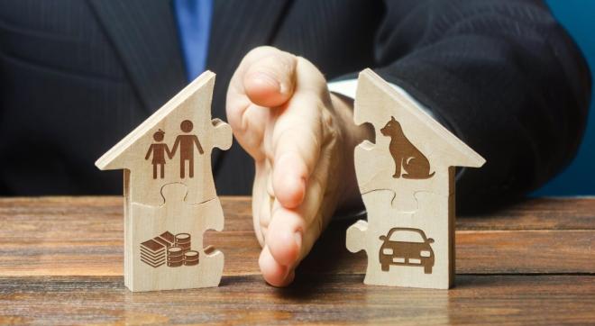 Phân chia tài sản của vợ chồng khi ly hôn